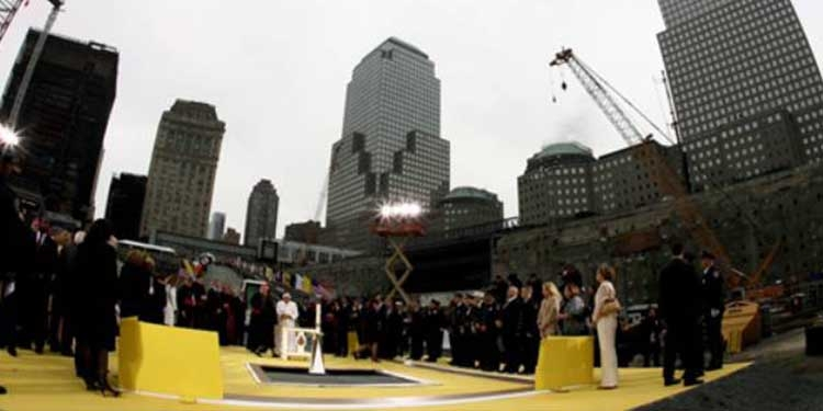 Papa Benedetto XVI visita Ground Zero a New York