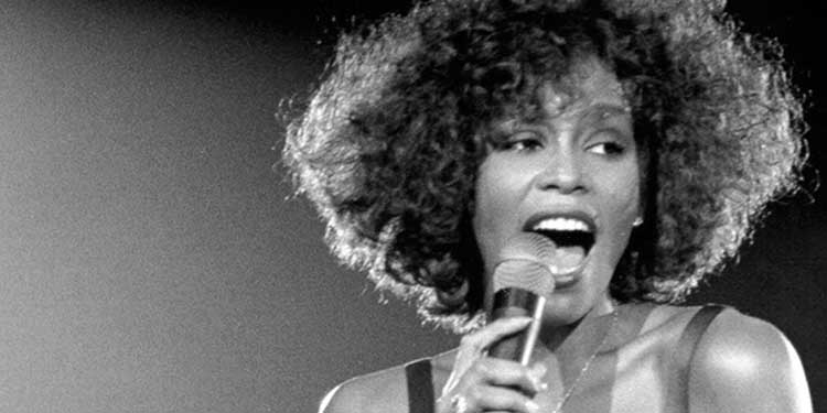 Muore Whitney Houston, cantante e attrice statunitense